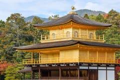 Kinkaku籍寺庙在京都 免版税库存照片