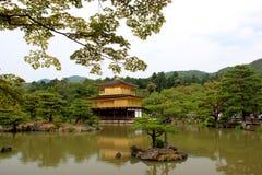 Kinkaku籍或Rokuon籍,一个著名禅宗佛教徒寺庙,在京都, 库存图片