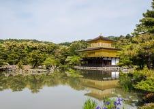 Kinkaku籍,金黄寺庙 免版税图库摄影