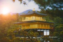 Kinkaku-ji świątynia, świątynia Złoty pawilon Kyoto Japan jeden najwięcej popularnego podróżnego miejsce przeznaczenia obrazy stock