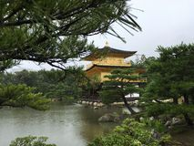 Kinkaku-ji, Kotyo, Japão Fotos de Stock Royalty Free