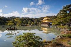 Kinkaku-ji, o pavilhão dourado, um templo de Zen Buddhist em Kyoto, Imagens de Stock