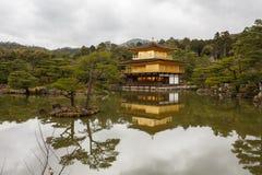 Kinkaku-Ji tempel i Kyoto Arkivfoton