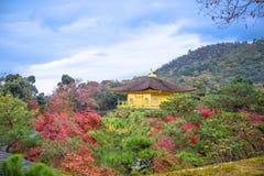 Kinkaku-Ji tempel fotografering för bildbyråer