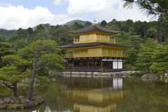 Kinkaku-ji Złoty Pavillon obrazy royalty free