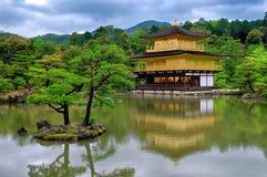 Kinkaku-kinkaku-ji & αντανάκλαση Στοκ Εικόνες