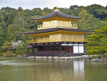 Kinkaku-kinkaku-ji (το χρυσό περίπτερο) Κιότο, Ιαπωνία Στοκ Φωτογραφίες