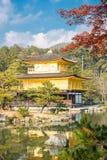 Kinkakuji寺庙在京都日本 库存图片