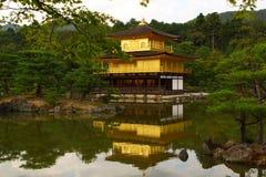 Kinkakuji寺庙在京都,日本 免版税库存照片