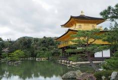 Kinkakuji świątynia & x28; Złoty Pavilion& x29; Zdjęcia Stock