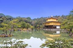 Kinkakuji tempel Arkivfoton