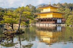 Kinkakuji-Tempel Stockfotografie
