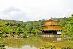 Kinkakuji Tempel lizenzfreies stockbild
