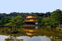 Kinkakuji Tempel (der goldene Pavillion) in Kyoto, J Lizenzfreies Stockbild
