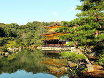 Kinkakuji tempel, Japan Arkivfoton