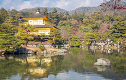 Kinkakuji tempel Kyoto Japan Arkivbilder