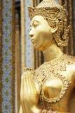 Kinnaree de oro, exterior tailandés del templo Imágenes de archivo libres de regalías
