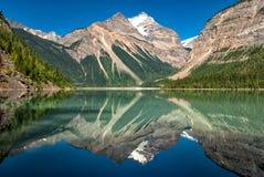 Kinney sjö Mt Robson Provincial Park Royaltyfria Foton