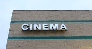 Kino znak przy filmami Zdjęcia Royalty Free