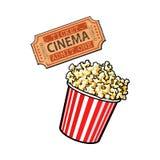 Kinowi przedmioty popkornu wiadro i retro stylowy bilet - Zdjęcia Royalty Free