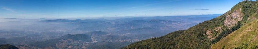 Kio Mae Pan dans la vue de panorama, parc national de Doi Inthanon, Chiang Photo libre de droits