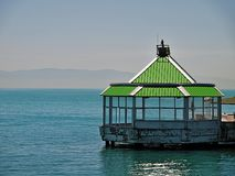 Kiosk auf Meer lizenzfreies stockfoto