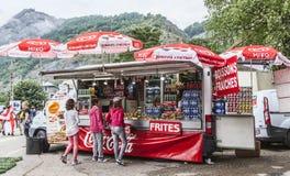 Kiosk på vägrenTour de France 2014 Fotografering för Bildbyråer