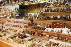 Kiosque avec des chiffres pour créer des scènes miniatures de Noël Photos libres de droits