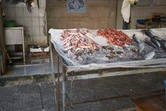 Kiosque de poissonnier en La Vucciria photo libre de droits