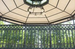 Kiosque ? musique de parc de style de modernisme, Brunete, Espagne images libres de droits