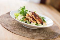 Kip Caesar Salad Royalty-vrije Stock Afbeelding