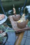 Kip in kokosnoten Stock Fotografie