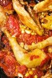 Kip met tomaat en graan Stock Afbeeldingen