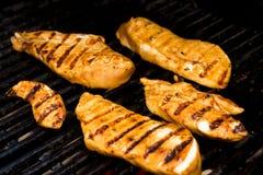 Kip op de Barbecue Stock Foto