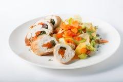 Kippenbroodjes met ratatouille stock fotografie