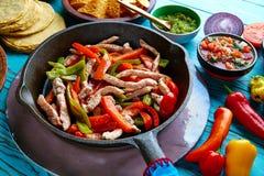 Kippenfajitas in een panspaanse peper en kanten Mexicaan Royalty-vrije Stock Foto