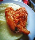 Kippengebraden gerechten, de maaltijd van de Kippenborst, hartvorm stock afbeeldingen