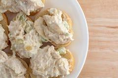 Kippensalade op reepjes van Stokbrood Royalty-vrije Stock Fotografie