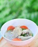 Kippensoep, kippensoep in een kop Royalty-vrije Stock Afbeeldingen