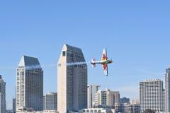Kirby Chambliss von USA führt während Red Bull-Wettfliegen durch Stockfotografie