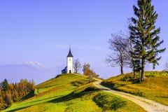 Kirche auf Berg Lizenzfreies Stockfoto