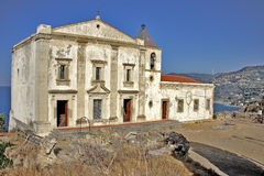 Kirche auf dem tyrrhenischen Meer Stockfoto