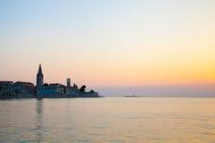 Kirche auf der Küste Stockfotografie