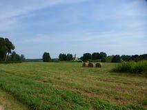 Kirche auf einem Hügel Lizenzfreie Stockfotos