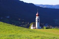 Kirche in Castelrotto Lizenzfreies Stockfoto