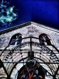 Kirche in Cesis, Lettland stockfotografie