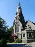 Kirche in den blauen Himmeln Stockfoto