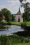 Kirche in der Natur Lizenzfreie Stockbilder