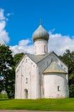 Kirche der zwölf Apostel auf dem Abgrund in Veliky Novgorod, Russland Lizenzfreie Stockbilder