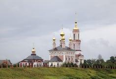 Kirche des Heilig-Erzengels Michael und Kirche des Heiligen Frol und Pavel Lizenzfreies Stockfoto